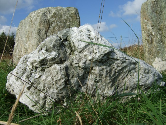 21.09.2014 The adjacent quartz boulder at Lettergorman